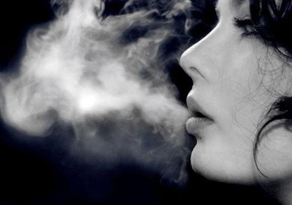 woman-vapor